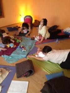clase yoga mamás y bebés alaquàs